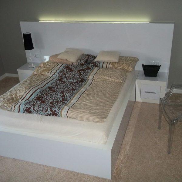 Zestaw do sypialni – biały lakier